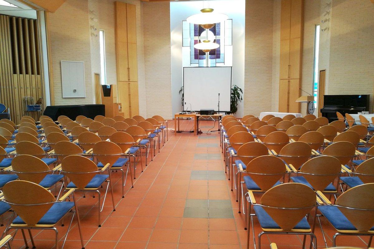 Naantalin seurakuntakeskuksen pääsali